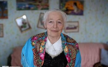 تصاویر زندگی پیرزن ۷۹ ساله در سرمای منفی ۴۰ درجه سیبری,عکس های زندگی یک پیرزن در سیبری,تصاویر زندگی پیرزنی در سیبری