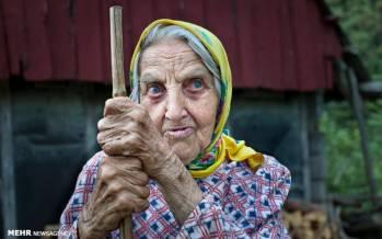 تصاویری از جامعه زن سالار در اروپا,عکس های زن سالاری در اروپا,عکس های زنان پیرزن های اروپایی
