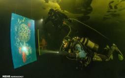 تصاویر اولین نمایشگاه نقاشی زیر یخی جهان,عکس های نمایشگاه نقاشی در یخ,تصاویر نمایشگاه زیر یخی