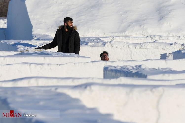 تصاویر هزارتو غولپیکر برفی در کانادا,عکس های برف در کانادا,تصاویری از هزارتو برف در کشور کانادا