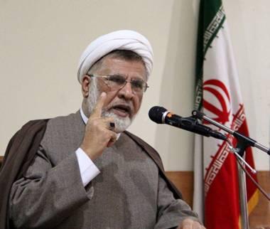 محمدتقی فاضلمیبدی,انتقاد فاضلمیبدی از علمالهدی