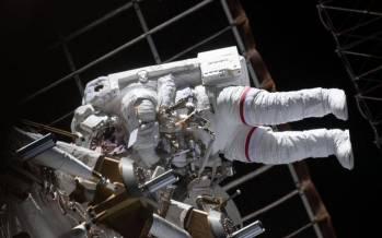 پیاده روی فضانوردان ناسا,عکس پیاده روی فضانوردان