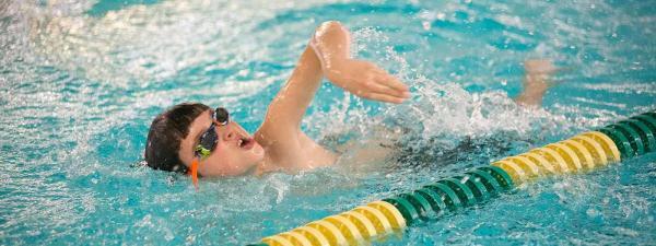 بازی شنا,شنا,استخر شنا