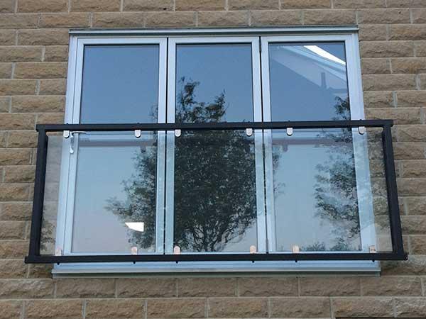شیشه بالکن بدون قاب,شیشه بالکن پنجره ای,شیشه بالکن تاشو