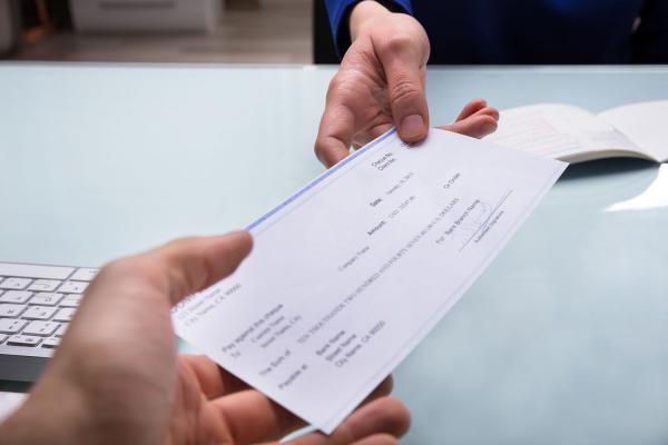 چک بانکی و نکات مهم در نوشتن آن,ظهر چک بانکی,انواع چک