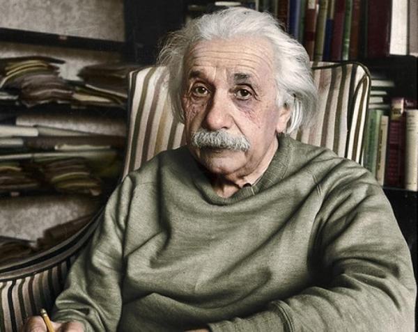 زندگی نامه آلبرت انیشتین,آلبرت انیشتین,عکس دانشمند آلبرت انیشتین