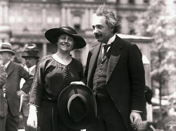 بیوگرافی آلبرت انیشتین,آلبرت انیشتین,عکس آلبرت انیشتین