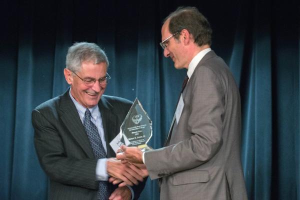 روبرت امرسون لوکاس,تحصیلات رابرت لوکاس,روبرت امرسون لوکاس جايزه نوبل اقتصاد