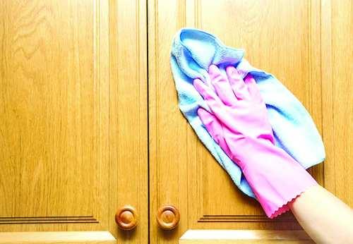 روش های پاک کردن کابینت,پاک کردن لکههای چربی از کابینت,مراحل تمیزکردن کابینتهای امدیاف