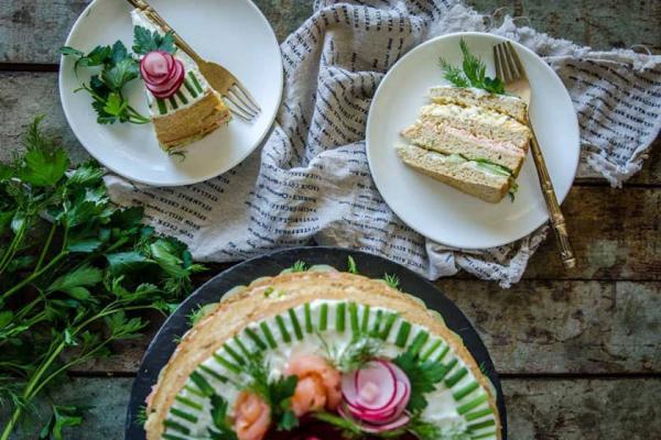 طرز تهیه کیک مرغ با نان تست,جدیدترین تصاویر تزیین کیک مرغ,طرز تهیه کیک مرغ و گردو