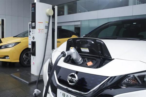 خودروهای الکتریکی,تعمیر خودروهای الکتریکی,روش های نگهداری خودروهای الکتریکی,باتریهای خودرو الکتریکی,خودروهای بنزینی
