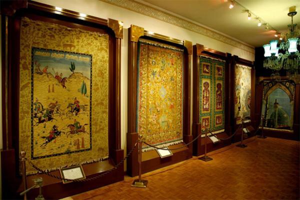 بخش های موزه فرش,موزه فرش,تاسیس موزه فرش