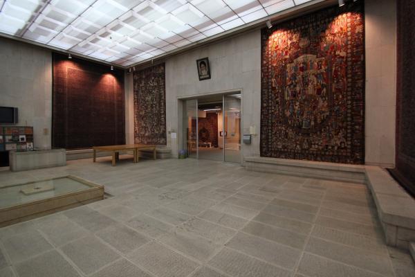 موزه فرش,ساختمان موزه فرش,ویژگی های موزه فرش
