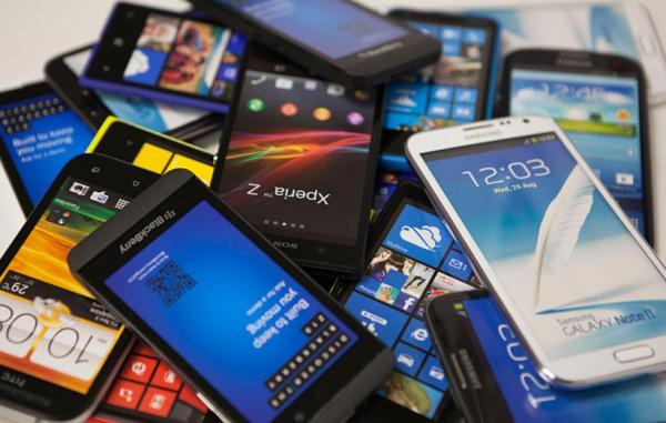 گوشیهای هوشمند,علت خراب شدن گوشیهای هوشمند,راهکارهای پایان عمر گوشیهای هوشمند,عمر باتری گوشی اندرویدی,هنگ کردن پیدرپی اپلیکیشنها,کیفیت دوربین گوشیها