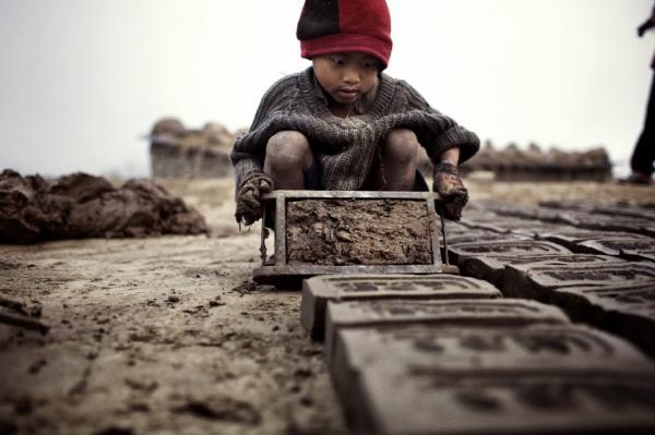 راه حل هایی درمورد کودکان کار,دلایل بوجود امدن کودکان کار,کودکان کار
