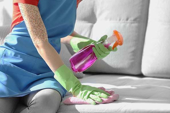 تمیز کردن مبل,سالمترین روش تمیز کردن مبل ها,نحوه تمیز کردن مبل با شامپو فرش