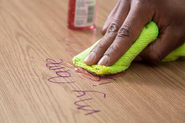 تمیز کردن وسایل چوبی,روغن خانگی برای تمیز کردن وسایل چوبی,نحوه تمیز کردن وسایل چوبی