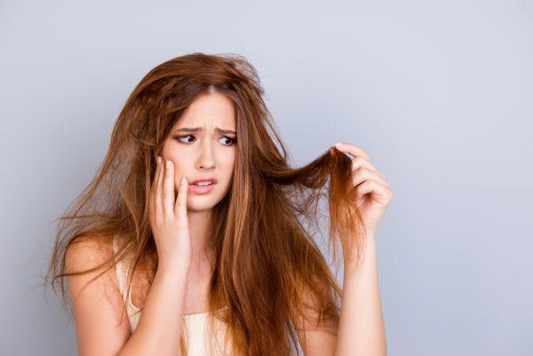 درمان خانگی خشکی مو,علائم خشکی مو,خشکی موو ویژگی های آن,عوارض خشکی موی سر,درمان خشکی مو با آووکادو