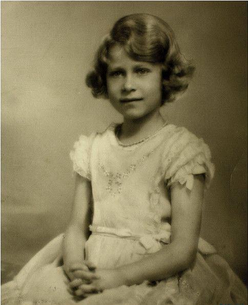 الیزابت دوم,ملکه سلطنتیبریتانیا,ملکه انگلیس