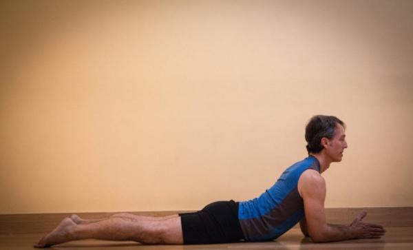 حرکات کششی نشسته,حرکات کششی,انواع حرکات کششی
