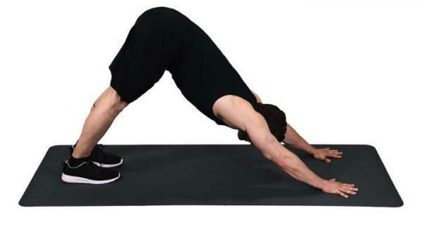 رفع افتادگی بازو,بهترین روش رفع افتادگی بازو,حرکت بازوی سه سر برای رفع افتادگی بازو