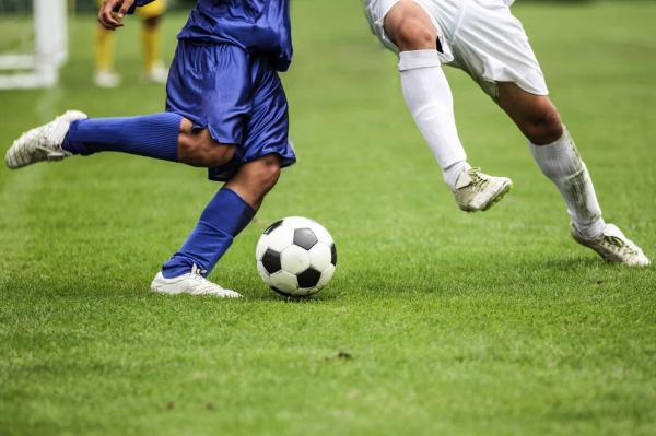 مهاجم وینگر فوتبال,مهاجم فوتبال,خصوصیات مهاجم فوتبال خوب