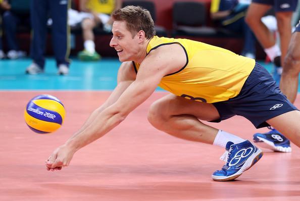 روش صحیح ساعد در والیبال,ساعد در والیبال,تمرینات ساعد در والیبال