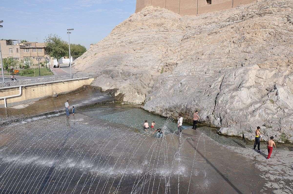 چشمه های ایران,کوتاه ترین رودخانه دنیا,جاذبه های گردشگری