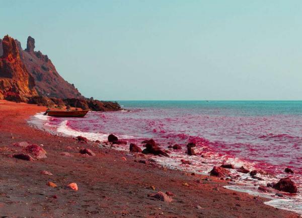 قلعه پرتغالی جزیره هرمز,خاک سرخ جزیره هرمز,جزیره هرمز