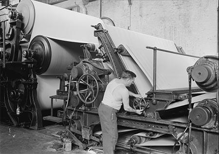 اختراع کاغذ,تاریخچه صنعت كاغذسازى در ایران,تاثیر اختراع کاغذ در زندگی