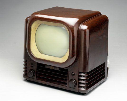 تاریخچه ی اختراع تلویزیون,اختراع اولین تلویزیون,اختراع تلویزیون