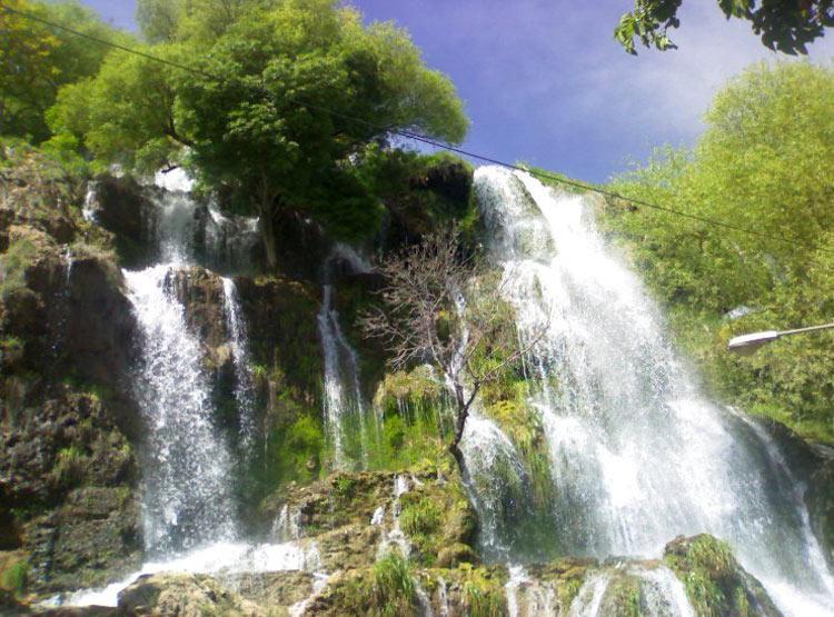 آبشار نیاسر کاشان,جاذبه های دیدنی کاشان,نیاسر کاشان