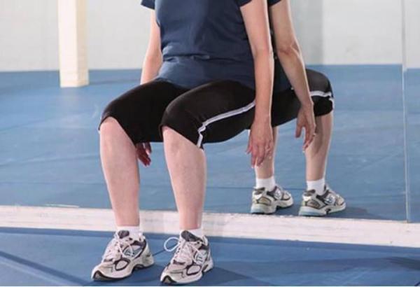 بررسی علت درد زانو,درمان زانو درد افراد مسن,کاهش درد دست و پنجه