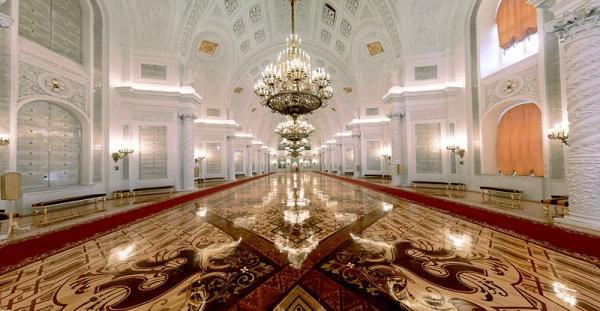 کاخ کرملین,کاخ کرملین از مکانهای دیدنی روسیه,کاخ کرملین مسکو