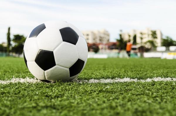 مدت زمان بازی فوتبال,انواع ضربهآزاد در فوتبال,قوانین فوتبال