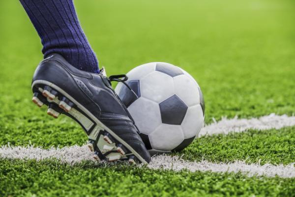 در مورد قوانین فوتبال,قوانین فوتبال چیست,قوانین فوتبال