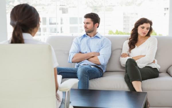 نشوز چیست,عواقب ناشزه بودن زن,عدم انجام وظایف زناشویی از جانب زن,پیامدهای نشوز زن,پیامدهای نشوز مرد