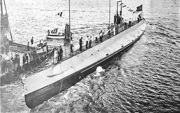 ایزاک پرال,مخترع اولین زیردریایی,زیردریایی