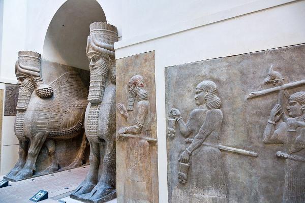 موزه لوور,مجسمه های معروف موزه لوور,اشیای ایرانی در موزه لوور