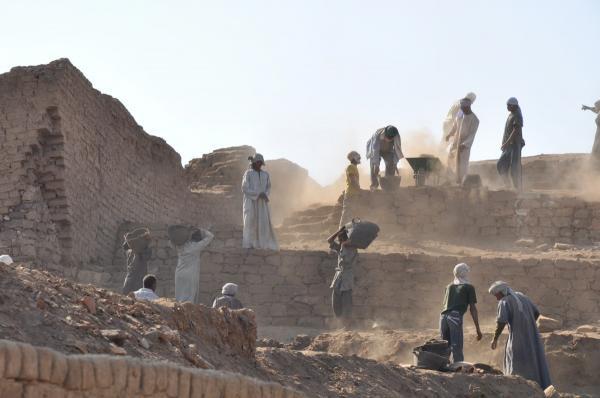 رشته باستان شناسی,توانایی های مورد نیاز برای رشته باستان شناسی,وظایف باستان شناسا