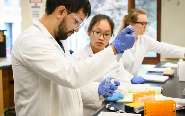 کاربرد رشته بیوشیمی,رشته بیوشیمی بالینی معرفی,نحوه ورود به رشته بیوشیمی