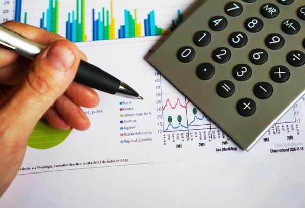 درسهای رشته مدیریت مالی,رشته مدیریت مالی,معایب رشته مدیریت مالی