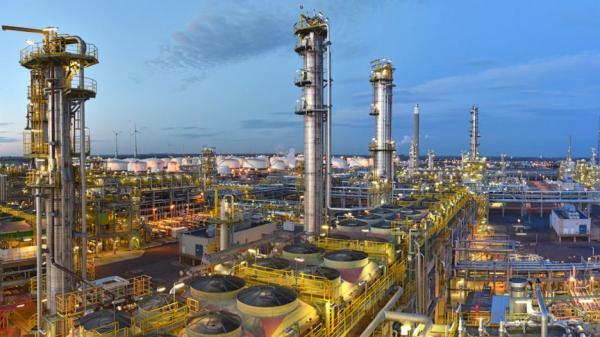 رشته مهندسی نفت,مهندسی نفت,بازار کار رشته مهندسی نفت