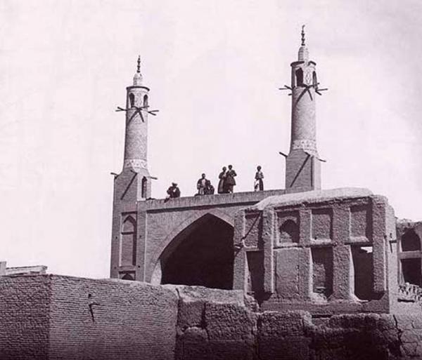 منارجنبان شیخ بهایی,منارجنبان,جاذبه گردشگری منارجنبان اصفهان
