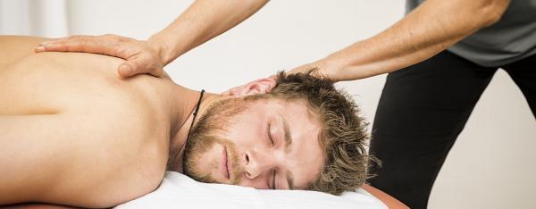 خدمات ماساژ درمانی,ماساژ درمانی,عکس ماساژ درمانی