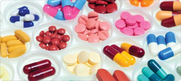 نکاتی درباره ی مصرف داروها,تاریخ انقضای داروها,داروی پاراستامول,آنتی بیوتیک ها,مضرات مصرف داروها بعد از تاریخ انقضا