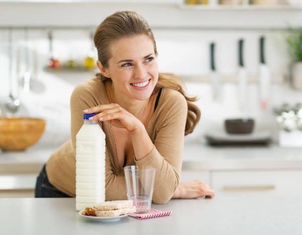 مضرات رژیم شیر,عوارض رژیم شیر و خرما,رژیم شیر