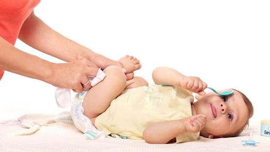 پوشک بچه,درست کردن پوشک با تیشرت,پوشک بچه بدون دوخت