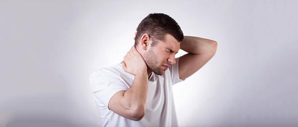 ,علت گردن درد,ورزش برای گردن درد,روشهای درمان درد گردن