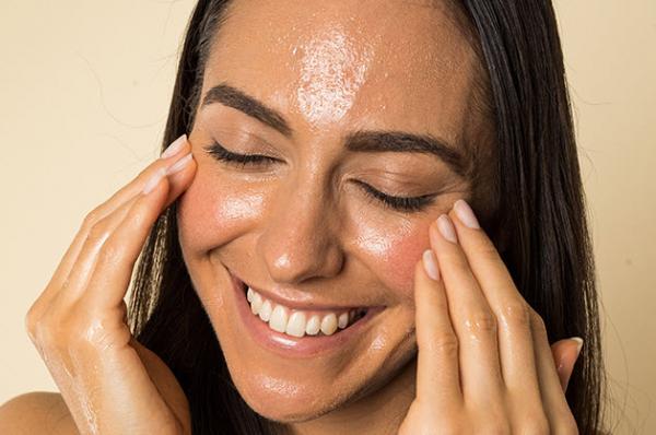 بهترین ماسک برای پوست چرب,نشانه های پوست های چرب,پوست چرب